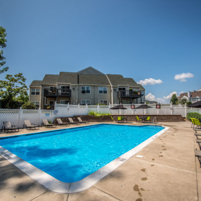 luxury apartments in middletown ct pool
